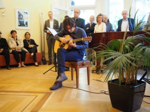 """Der diesjährige Wolfgang-Rihm-Stipendiat  Andrés Nuno de Buen präsentiert sein Stück """"Feldlinien"""""""